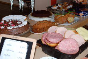 Kuchen und Brott buffet